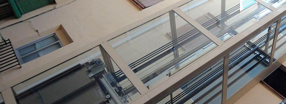Las estructuras autoportantes son una solución rápida, funcional y práctica para la instalación de cualquier tipo de ascensor tanto en edificios antiguos como de nueva construcción.
