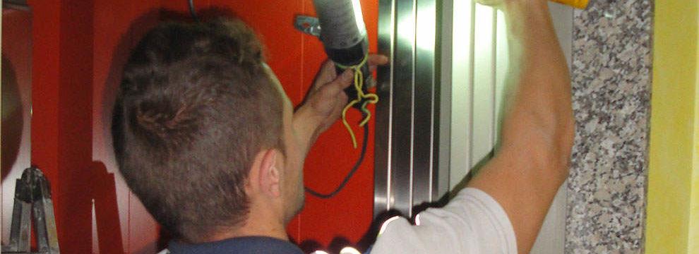 El mantenimiento de ascensores y las revisión periódica es fundamental para prevenir la siniestralidad y prologar la vida útil de los mismos. Málaga!