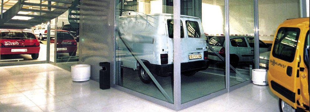 El montacoches es la solución ideal para el transporte vertical de vehículos, nos permiten obtener el mayor número de plazas dentro de un parking aprovechando al máximo los espacios sin necesidad de realizar una rampa