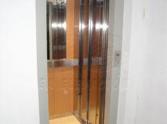 En un edificio céntrico de 4 plantas de Rute (Córdoba) se ha instalado un ascensor unifamiliar gracias al mismo se ha dotado de total accesibilidad